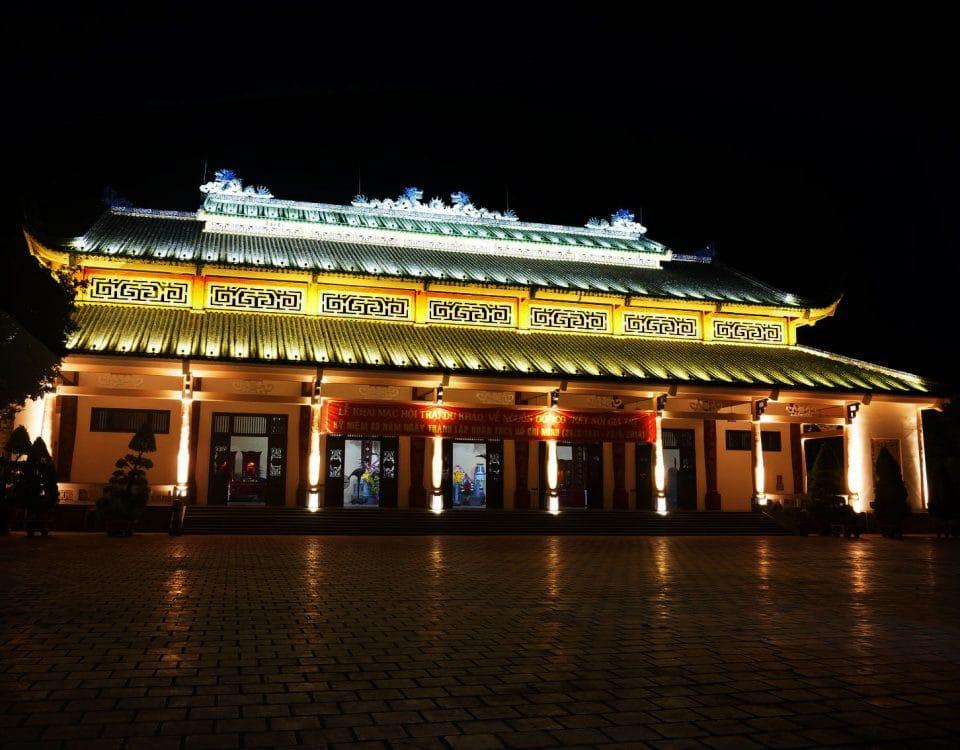 Chiếu sáng mỹ thuật chùa
